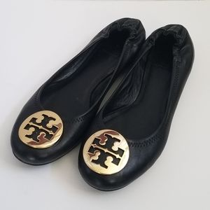 Tory Burch Reva Flats in Black with Gold Emblum